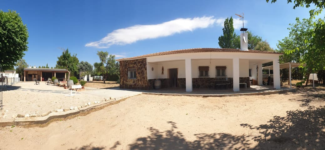 Chalet Casa Blanca
