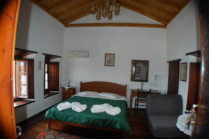 Goulas house superior double room for 2-4 persons