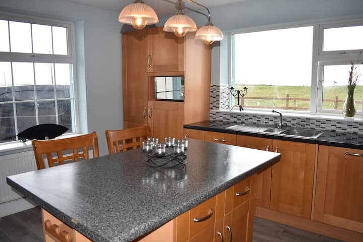 Beach House Cloch Mhór, Coastal Property Ballycroy