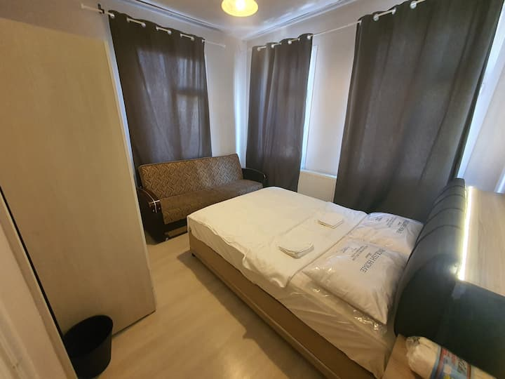 Big private room with sofa bed In city center