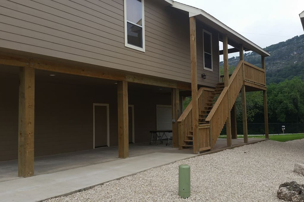 2 story, 4th bedroom & bath downstairs (wheelchair accessible)