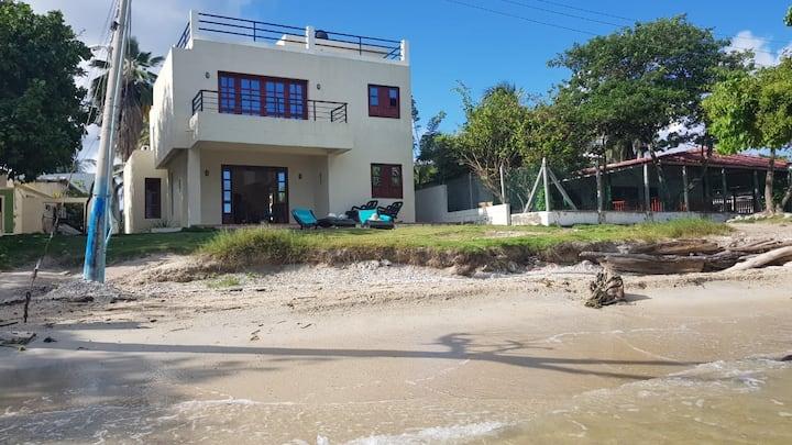 Comoda casa en la playa