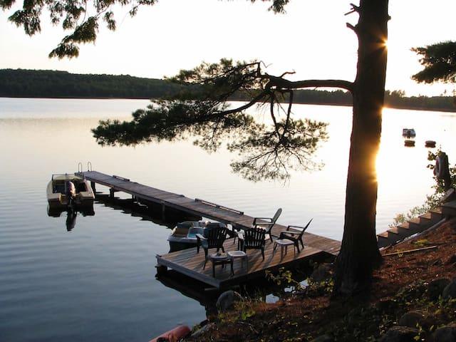Tranquill lakefront cottage Acadia - Eastbrook - Cabana