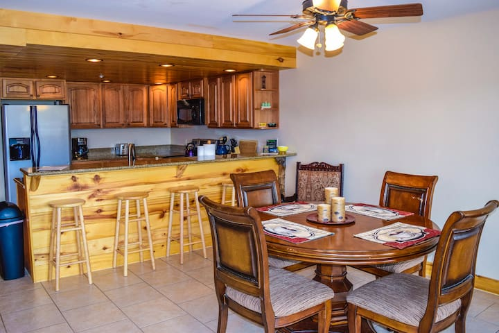 Lodge at Duck Creek Fishers Landing - Duck Creek Village - Apartmen