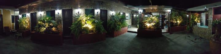 Hotel El Farolito