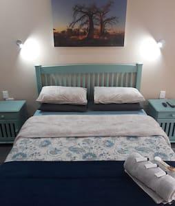 Wisteria Lane - Single Room
