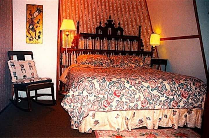 Whistler's Inn/The Spanish Room (#1)
