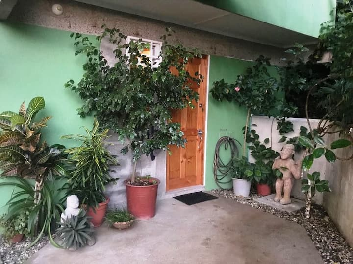 Centrally Located Private Garden Studio