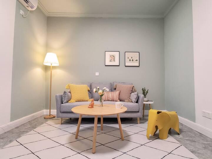 【Moon.House-橙十】-南岸三中莱茵滨江大套一1.8米超舒适乳胶床垫可做饭聚会生日