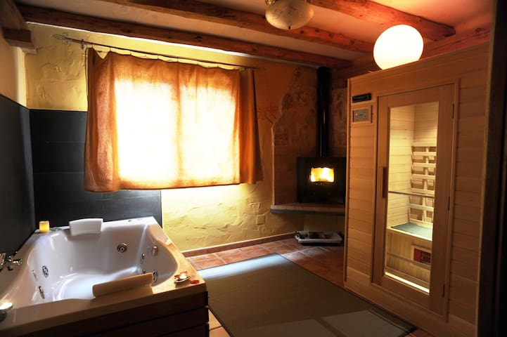 Apartamento rural con Spa privado- Arce Love SPA - Monasterio - アパート
