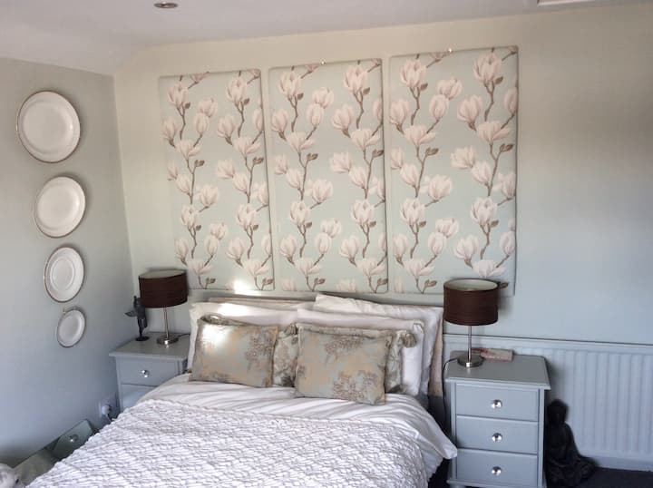 Chic Home with Double Room