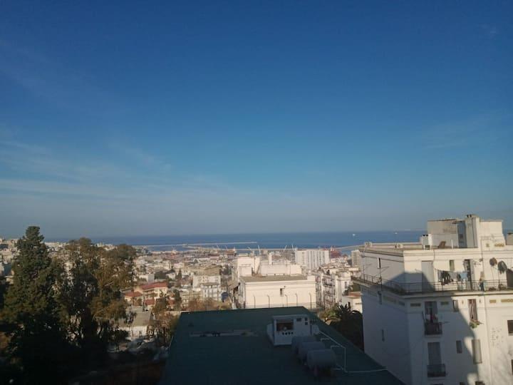 F3 97m2 Superbe vue sur baie d'Alger.