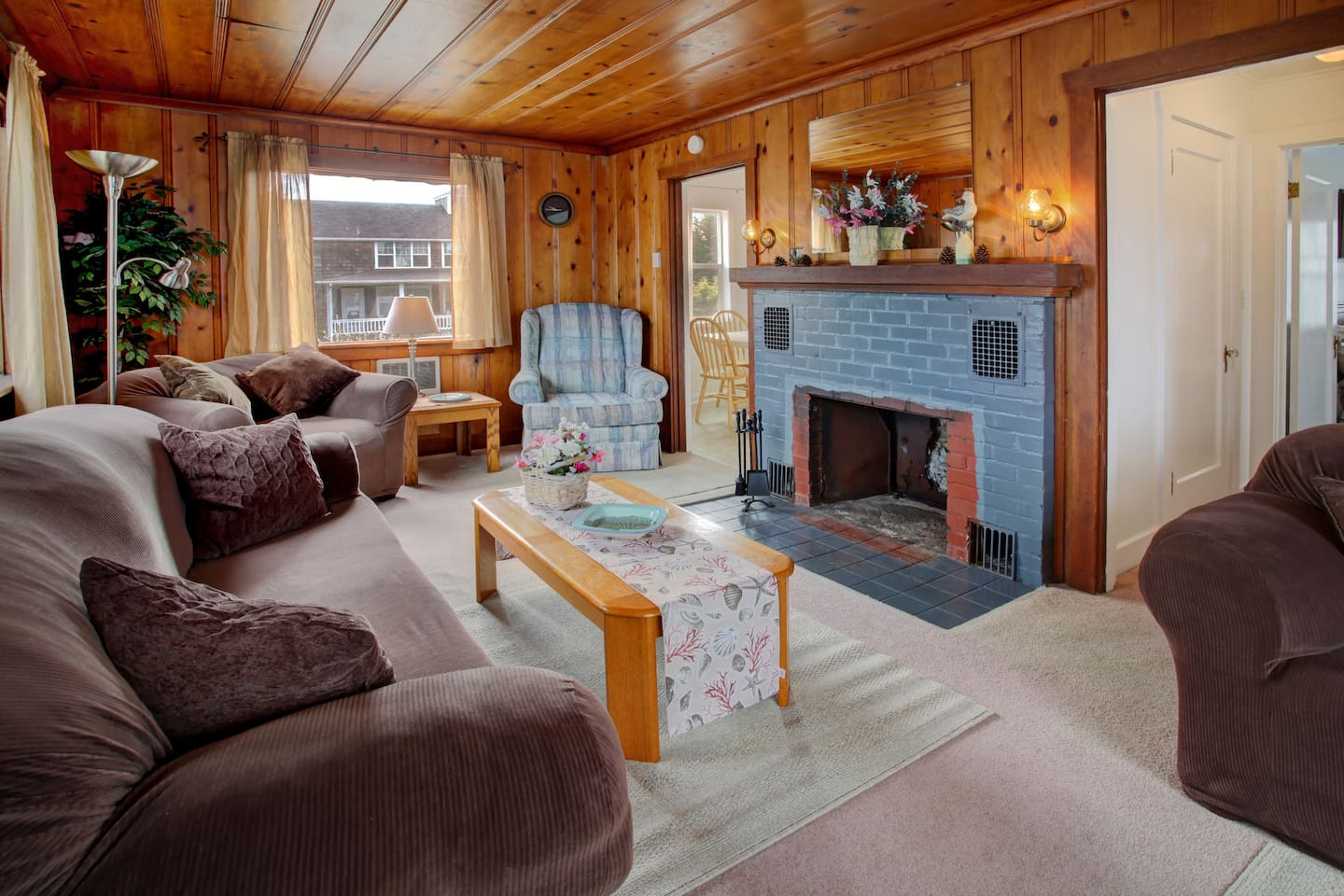 Spacious Living Areas with Multiple Couches