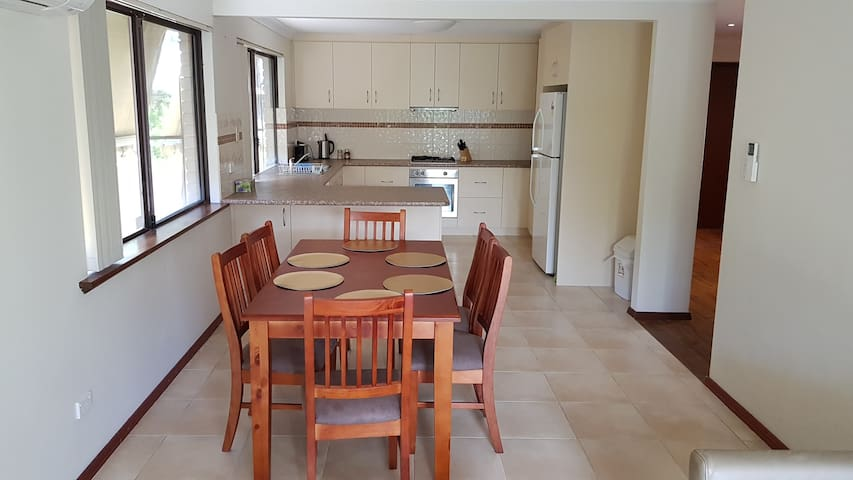 Family Home with Aircon WiFi and Pet Friendly Yard