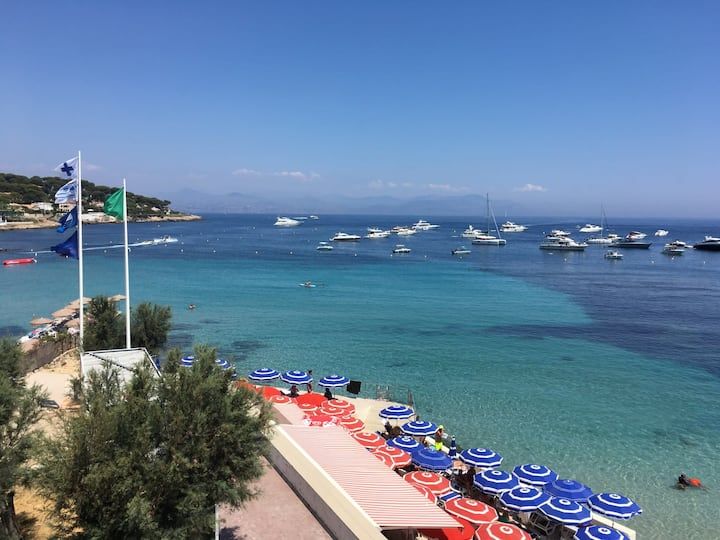 Apartment with sea view - Cap d'Antibes