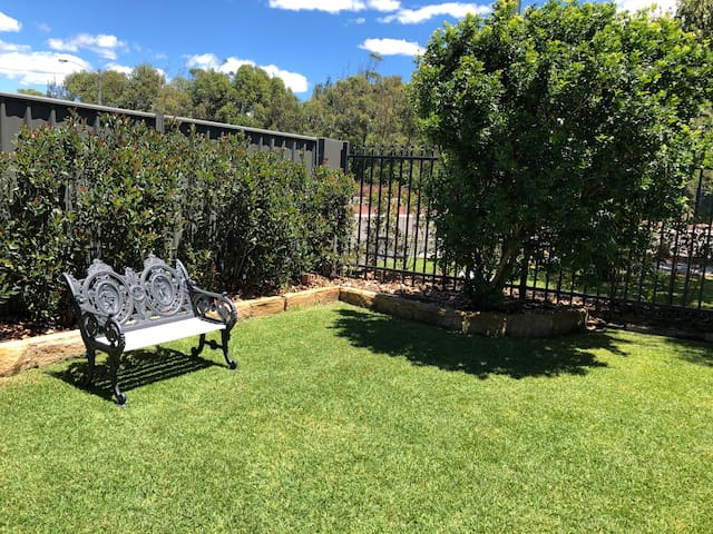 Sunny relaxing front garden Fully gated, very safe for little kids to play when back from the park and beach.