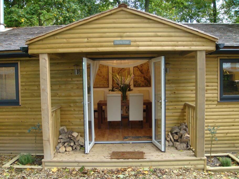 Honey Crisp Cabin entrance