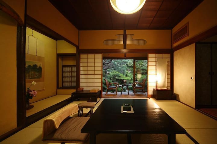 Three Hundred-years-old Historical Ryokan offers you invaluable time with Hot springs and an amazing Japanese garden.