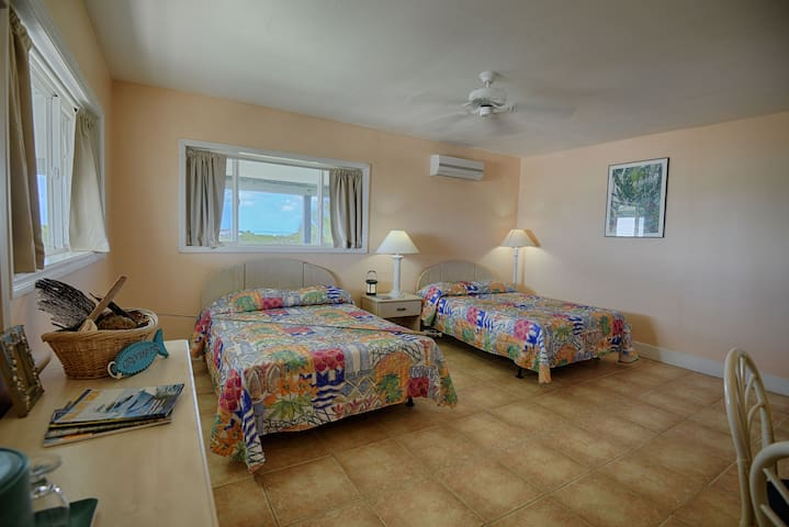 Double Room - Retreat at the Creek