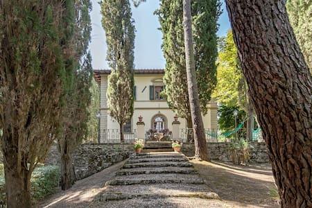 Appartamento in Villa di campagna - Vicchio