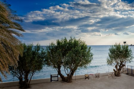 CRETAN ETHEREAL HOUSE by the sea - Ierapetra - Hus