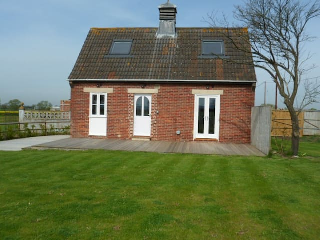 The Stables, Hollingthorpe - Bridgehampton
