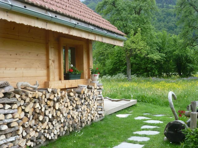 petit chalet dans la vallée de Chamonix