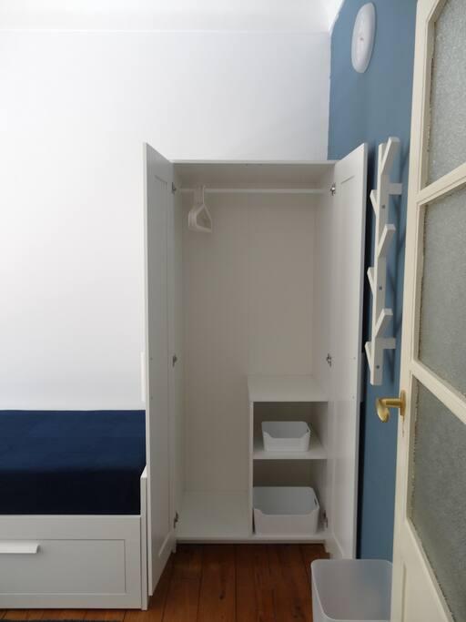 Blue-room closet