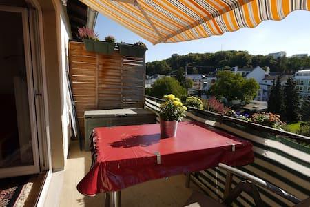 Poppelsdorf, Balcony-Room with great view - Bona - Apartamento