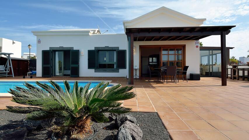AGUAMARINA 51 Playa Blanca, Lanzarote