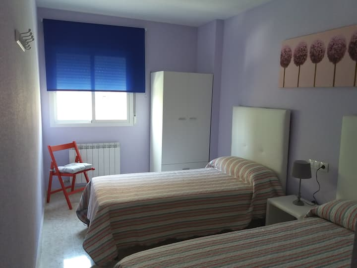 HABITACIÓN DOBLE ILUMINADA.Illumenated double room