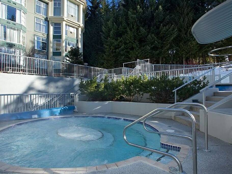 hot tub - largest at Whistler