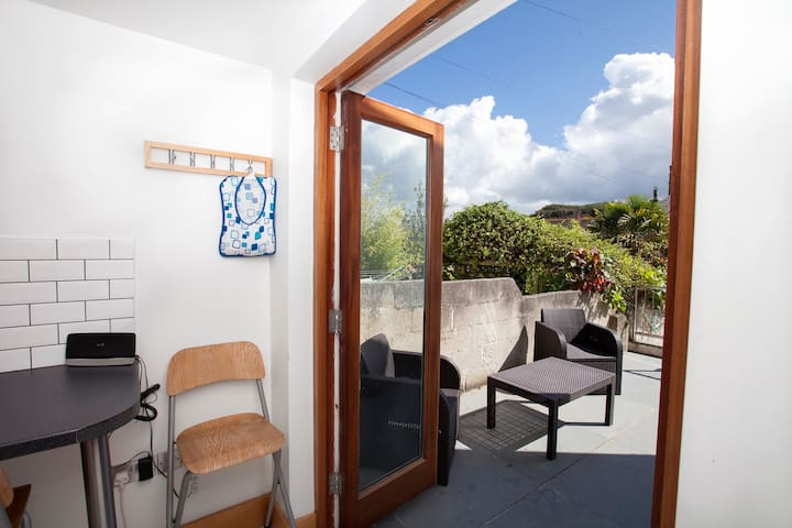 Skye Cottage, Padstow, PRIVATE PARKING