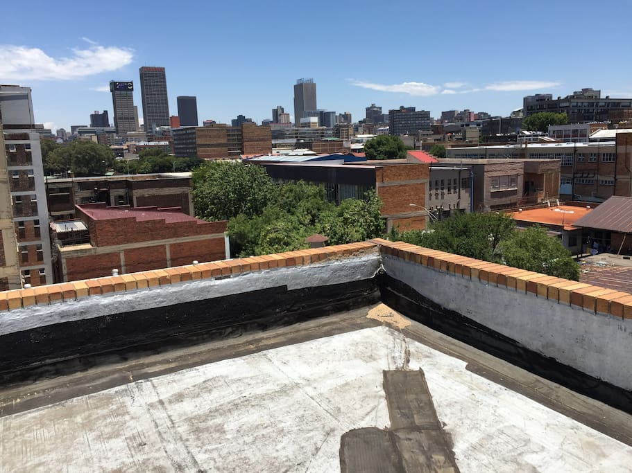 Access to a rooftop with a 360 degree view of the Jozi skyline.