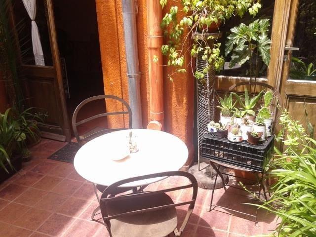 San Telmo Cozy Ap with Patio - Buenos Aires - Casa