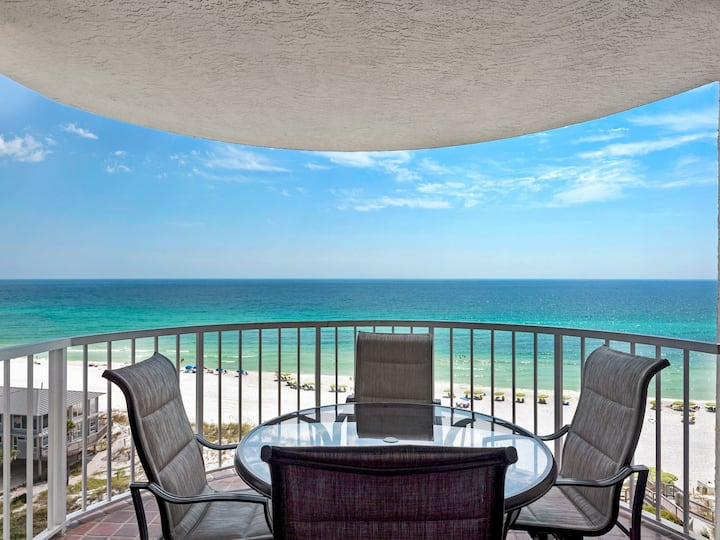 Updated Condo, Gulf Front, Tennis, Pool, Hot Tub, Pickle Ball Courts