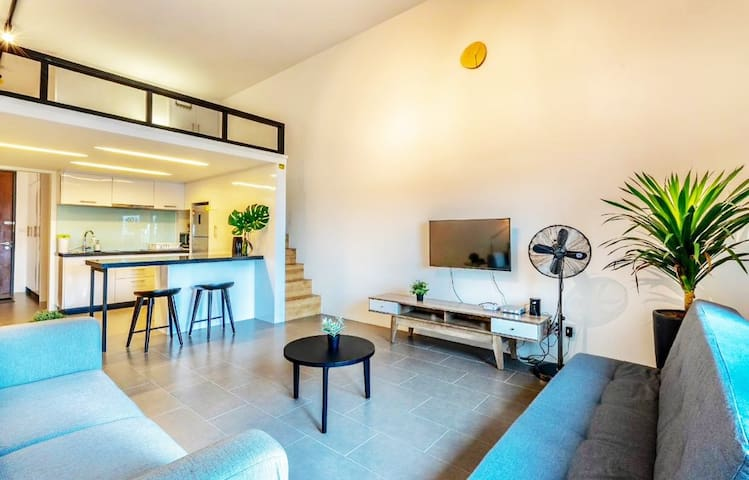 Hot! Modern Loft Suite *link to LRT+ Free Parking