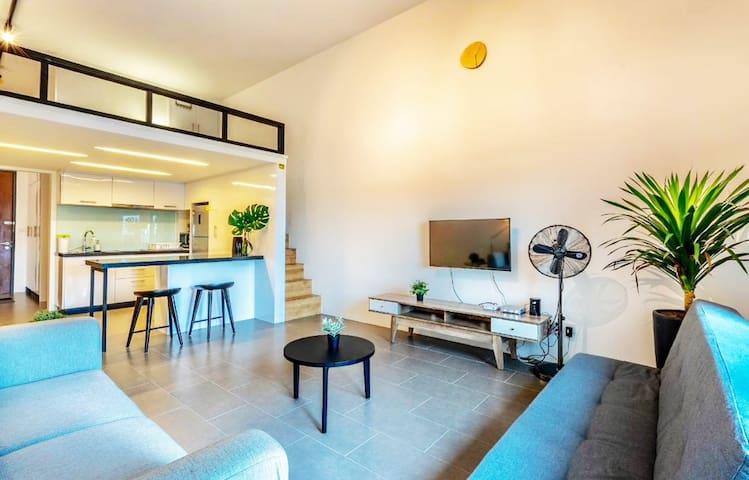 Hot! Modern Loft Suite link to LRT @ EST