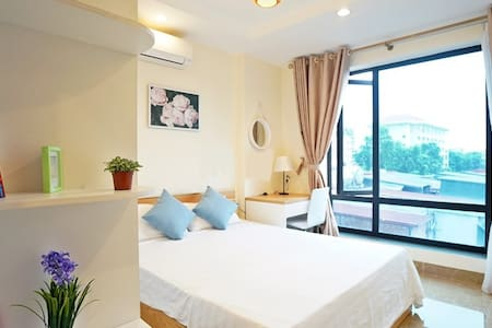 City view apartment 2BR near lake in Ha Noi center