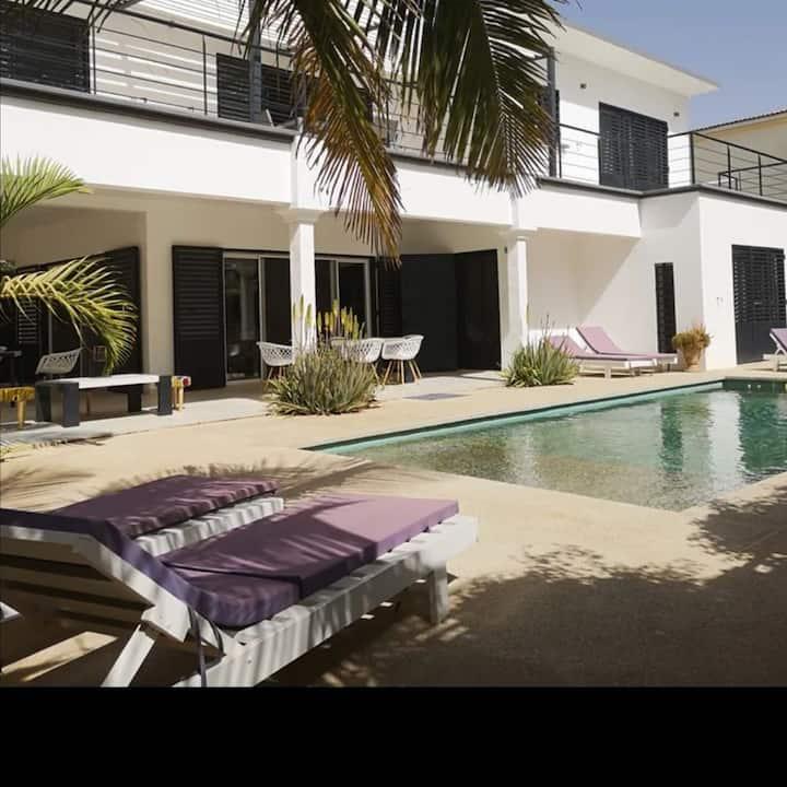 Villa sur la plage avec piscine