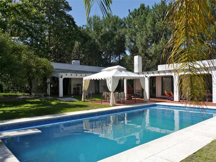 Beautiful large villa up to 12 guests near beach