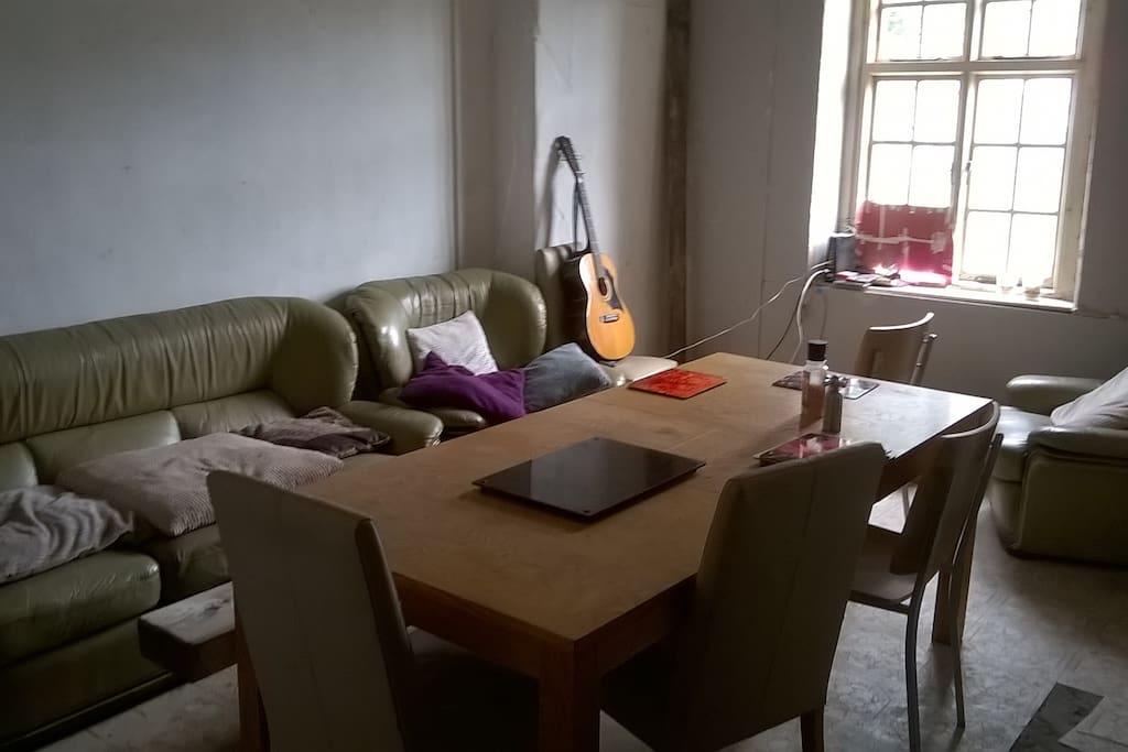 communal sitting & dining room