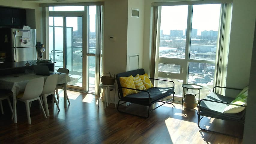 RoomNear Sunnybrook w.View&PrivateBath(ONLYFEMALE)