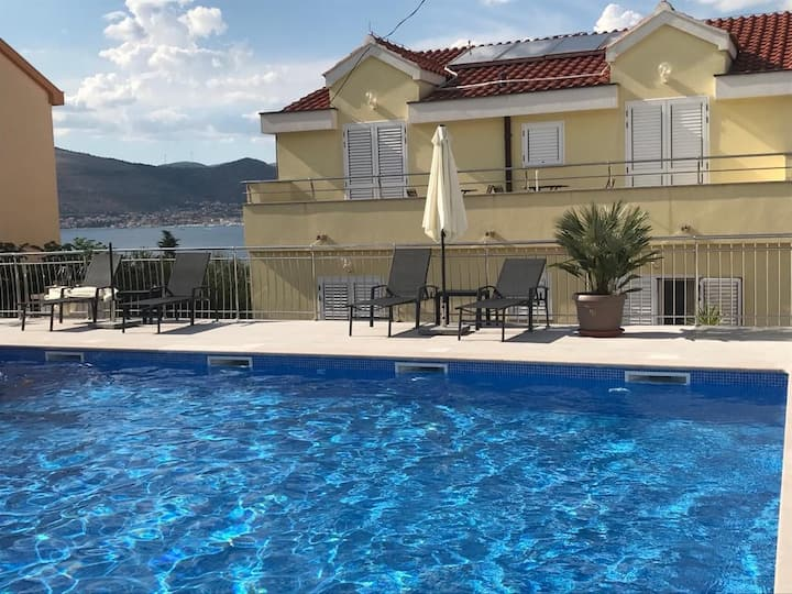 Apartment Complex Luna with Pool / One bedroom Apartment Mia A5
