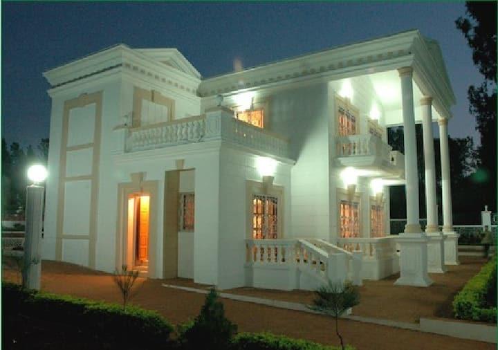 White House 2 BHK Bungalow Panchgani-Mahabaleshwar