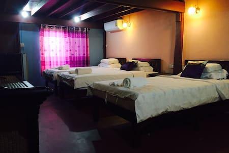 家庭房,大床,标准双床房,,根据要求调整床型,订房2日以上免费接送机 - chiang mai