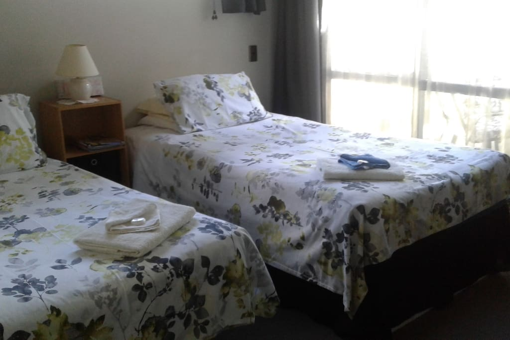 King single and Single bed available for 2nd person