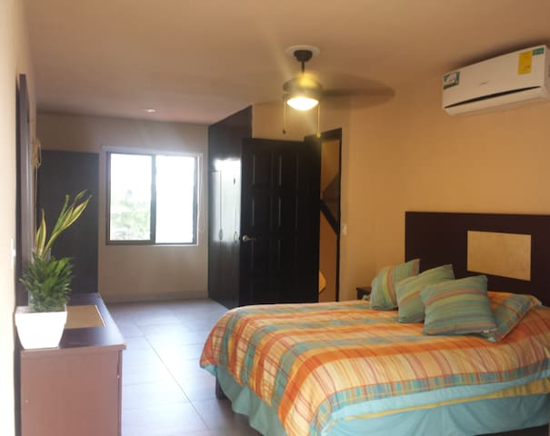 BEST PRICED ROOM IN HOTEL ZONE IN CANCUN QS BEED - Cancún