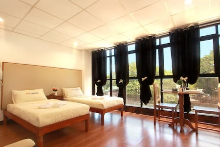 Grand Room in San Jose by SJ Mansion