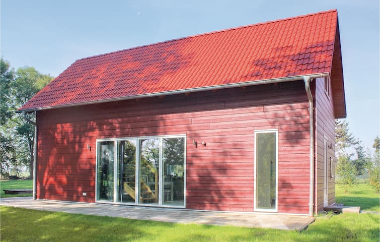 Holiday cottage with 2 bedrooms on 72m² in Gnoien OT Dölitz